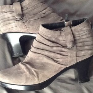 DANSKO Buffy grey heeled booties